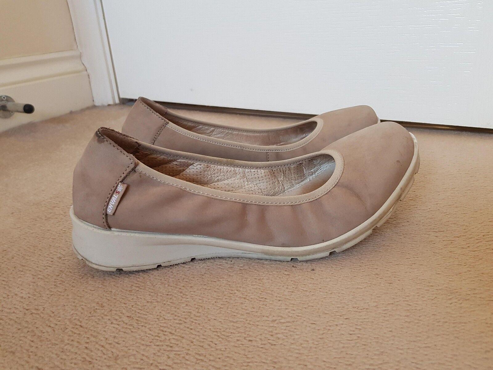 Women's Enval Soft Beige Nude Brown Flat Italian Leather shoes Size 7