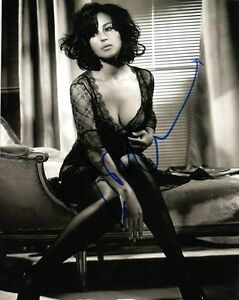 Monica-Bellucci-Sexy-Autographed-Signed-8x10-Photo-COA-8
