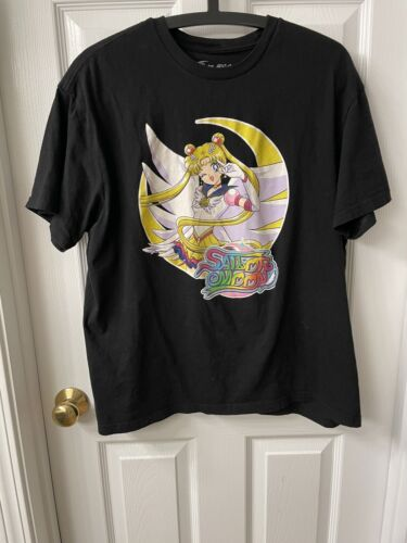 sailor moon t-shirt size L