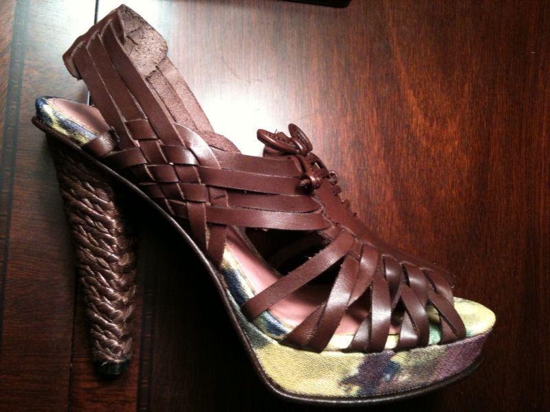 $170 SE BOUTIQUE Macie Heels Brown Atanado 6 & 6.5 NEW