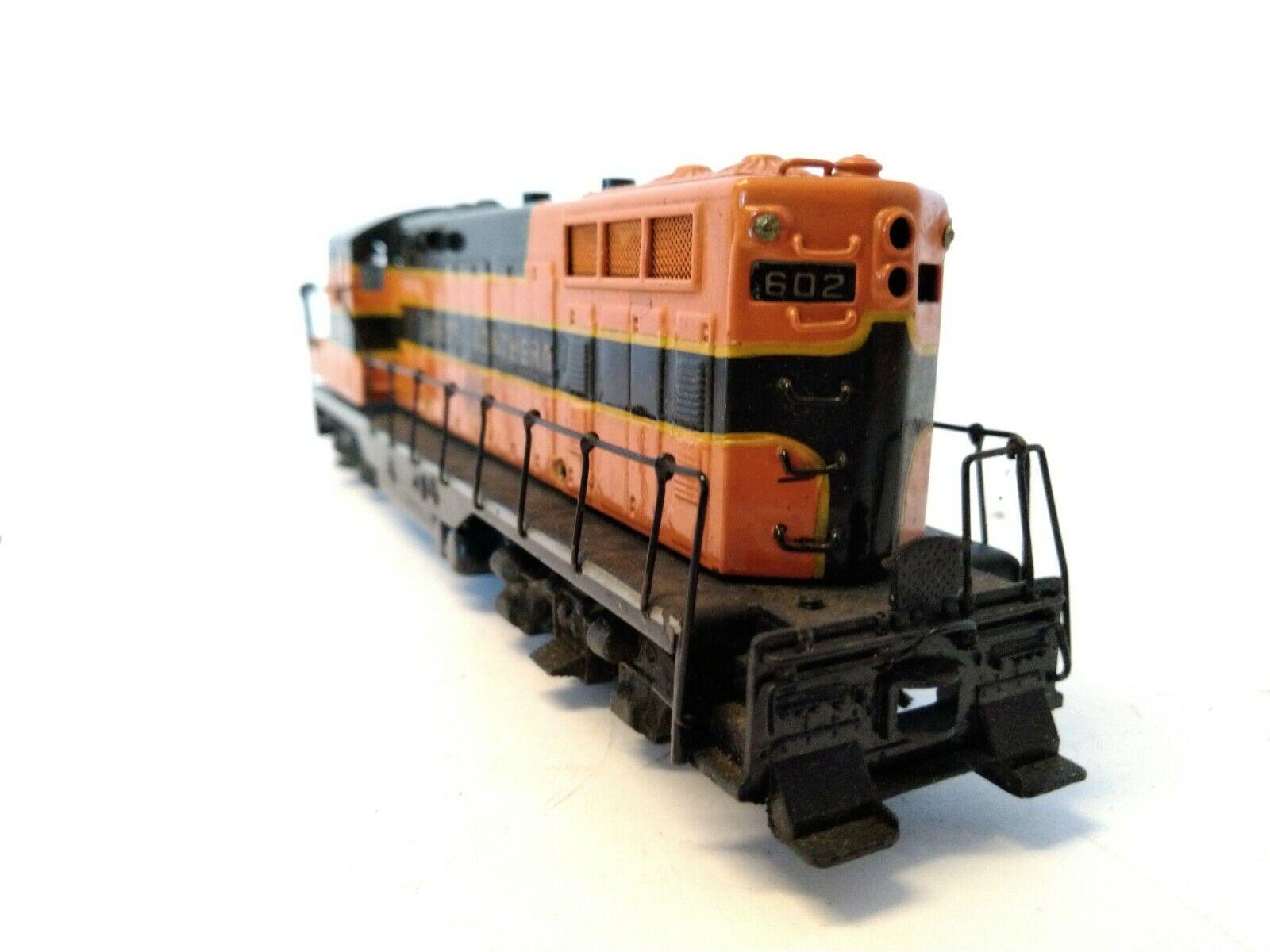 Tenshodo GP-7 Diesel Switcher No.124  Great Northern Locomotive  602