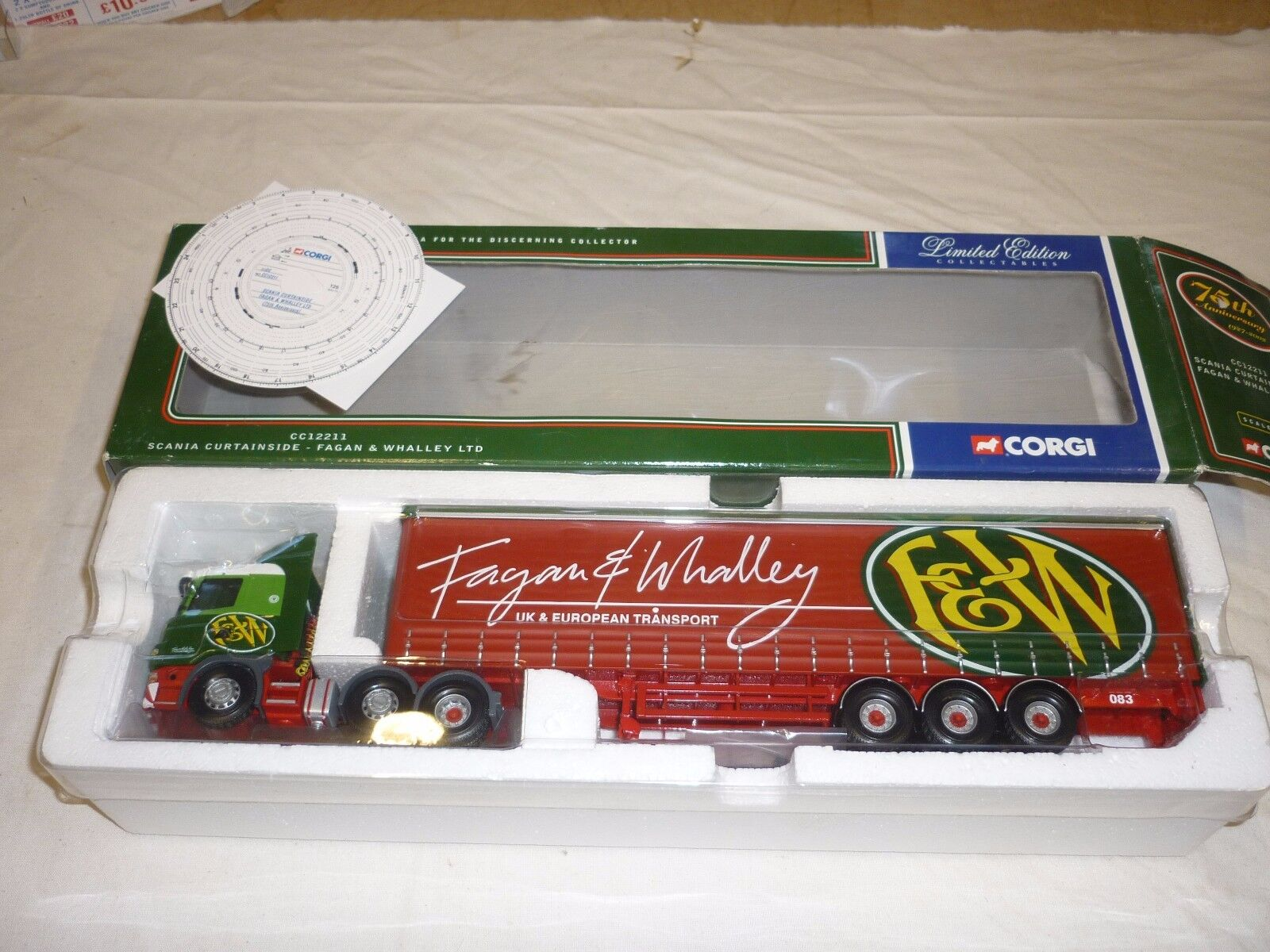 Un Corgi CC 12211, Scania Curtainside Remolque, Fagan & Whalley Ltd, En Caja