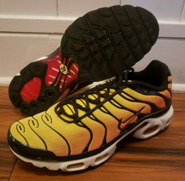5d50dc3c4eb33 NICE Nike Air Max PLUS TN Sunset Yellow Shoes Sneakers 647315-700 size  Men's 9.5