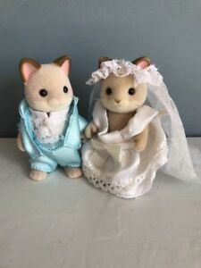 Sylvanian-Families-Dante-Cat-Family-Wedding-Couple-Bride-and-Groom-VGC