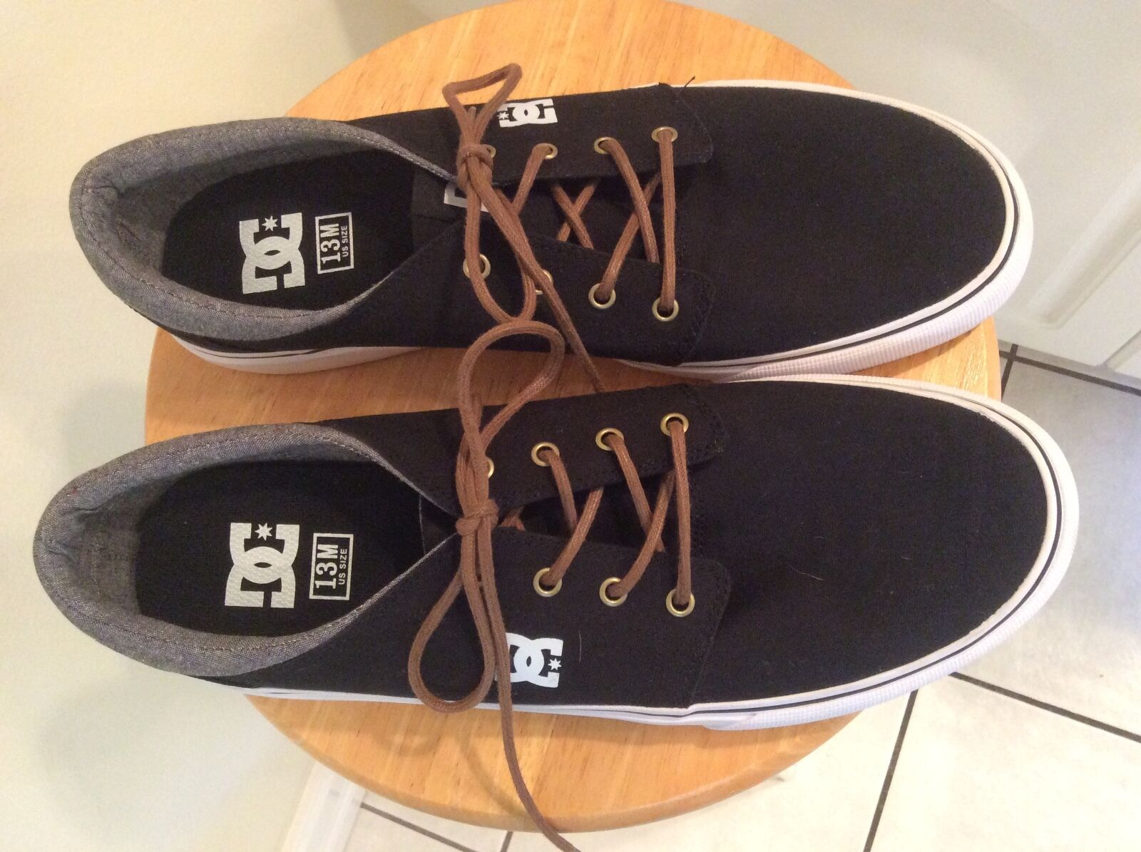 New Mens Size 13 DC Trase TX Skate Shoes Sneakers Black White NWOB Skateboard