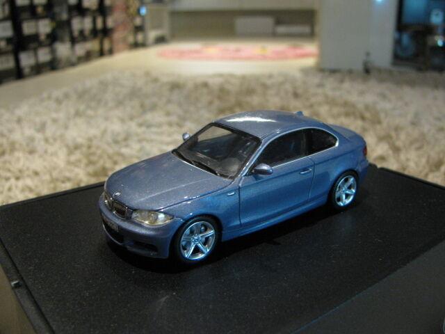 1/43 Minichamps BMW serie 1 Coupé (E82) abierto Motor Techo Diecast