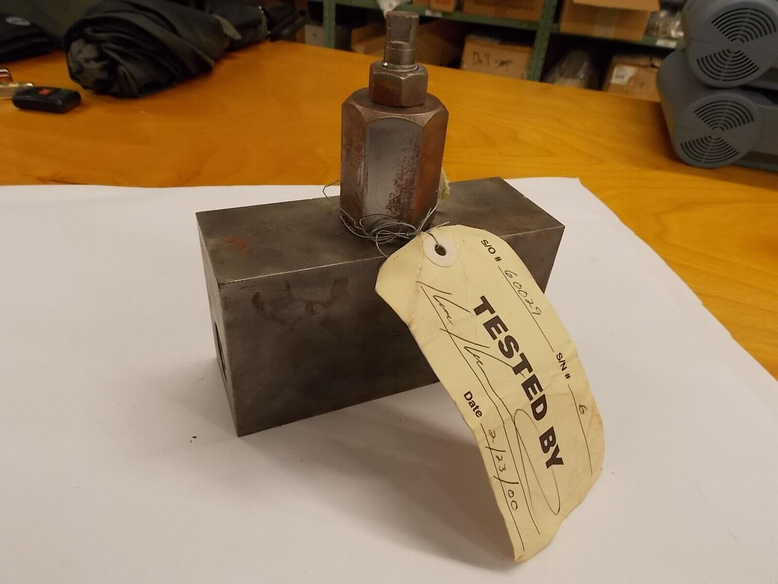 """GCT-03 Needle Valve 3//8/"""" PT 90° Angle Iron"""