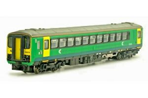 Dapol-2D-020-001-N-gauge-Class-153-single-car-DMU-153378-Central-Trains