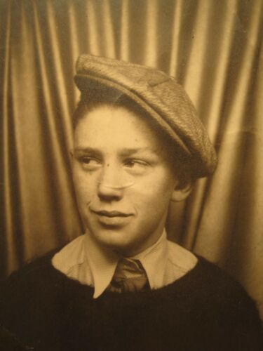 VINTAGE PHOTO BOOTH ARTISTIC YOUNG BOY JIM PARKER CA WOOLY SWEATER TIE HAT SHIRT