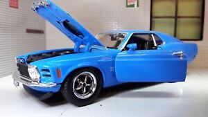 1-24-1970-Ford-Mustang-Boss-429-Fastback-Diecast-Detailed-Model-Car-73303-Blue