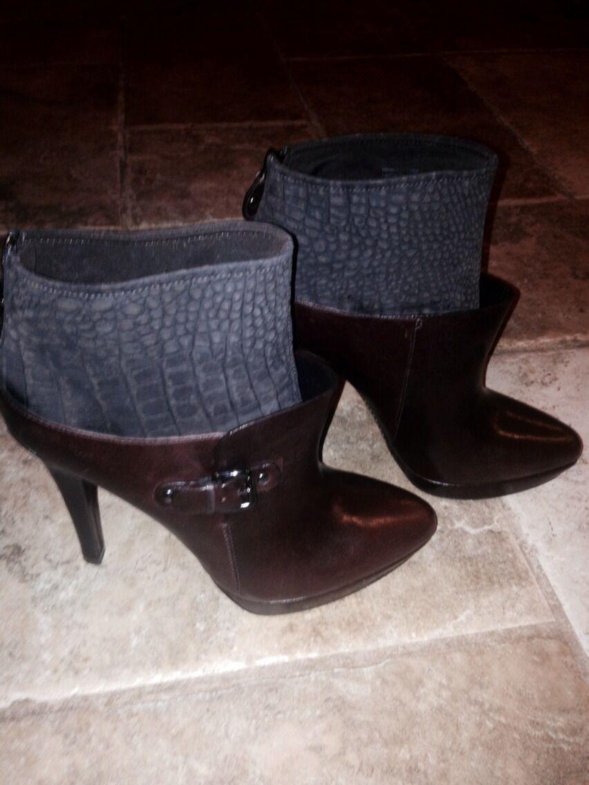 Caressa Boots Sz10 Brand New