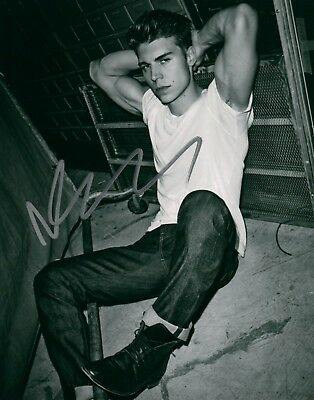 Autographs-original Nolan Funk Glee In A White-t & Jeans Signed 8x10 Photo Autographed Coa Entertainment Memorabilia