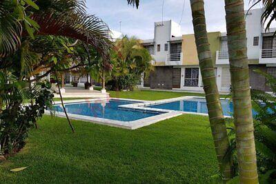 Venta de casa, con alberca, seguridad en condominio, Cuernavaca, Morelos