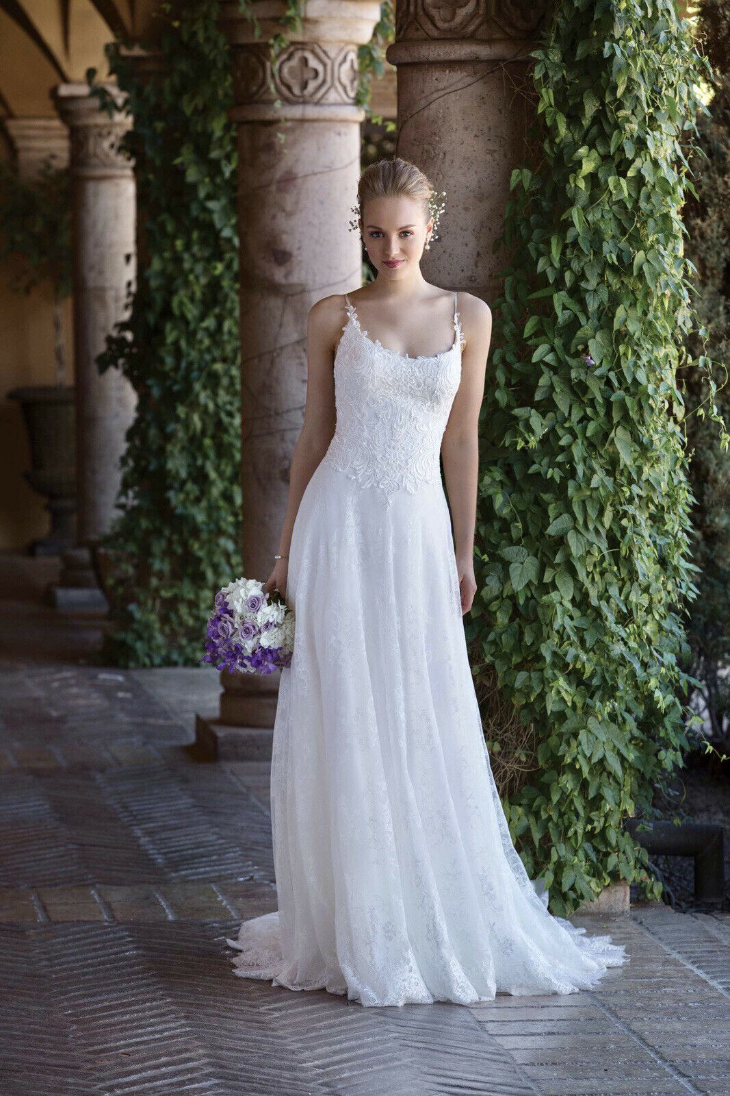 Sincerity New Wedding Dress Size 14 In Ivory Chantilly Lace & A Line Skirt.