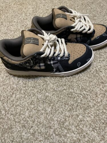 Travis Scott Dunk Size 7