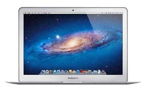 "Apple MacBook Air Core i5 1.7GHz 4GB RAM 64GB SSD 13"" - MD628LL/A"