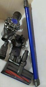 Dyson V6 Fluffy Aspirateur à main avec suspension murale & Nettoyage Attachment