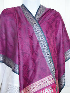 Banaras-Silk-Magneta-and-Green-Woven-Paisley-Floral-Design-Shawl-Wrap-Stole