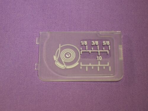 ELNA MACCHINE DA CUCIRE # 502017104 Diapositiva PIASTRA Bobbin Coperchio per adattarsi JANOME