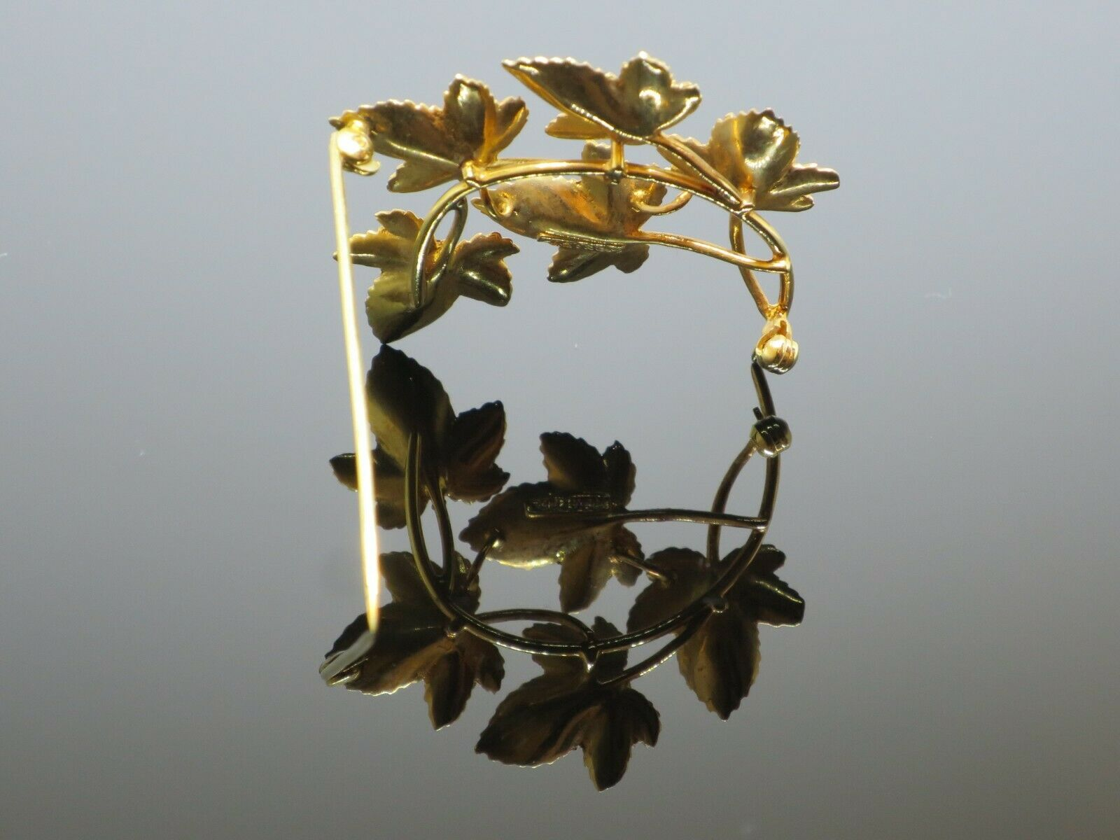Vintage 0.5CTW Garnet 9K Yellow Gold Brooch Pin, … - image 7
