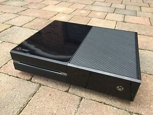 Microsoft-Xbox-One-500-GB-Games-Console-Only-Full-Working-Order-30-Day-Returns