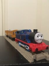Thomas Train Tomy Trackmaster Motorized Thomas w/ Coaches Annie & Clarabel
