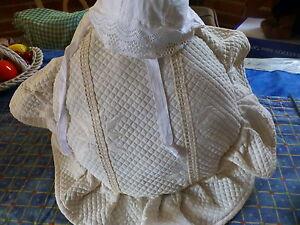 lot-vintage-coussin-en-pique-landeau-vintage-bonnet-poupon-poupee