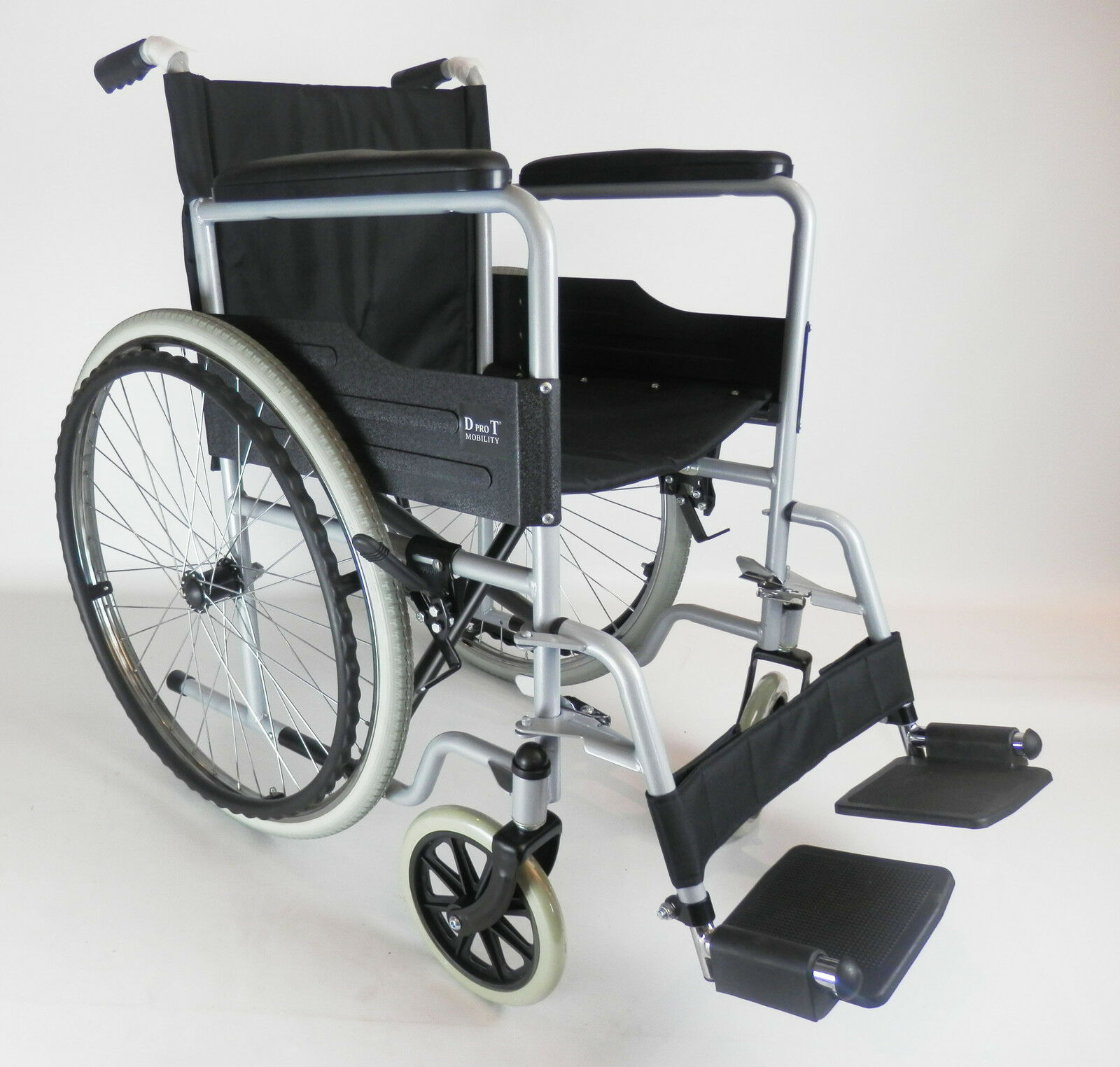 Self Propelled Folding Wheelchair Puncture Proof Tyres Footrests