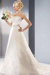 Size-10-David-039-s-Bridal-Strapless-Champagne-Ivory-Wedding-Dress-w-chapel-train
