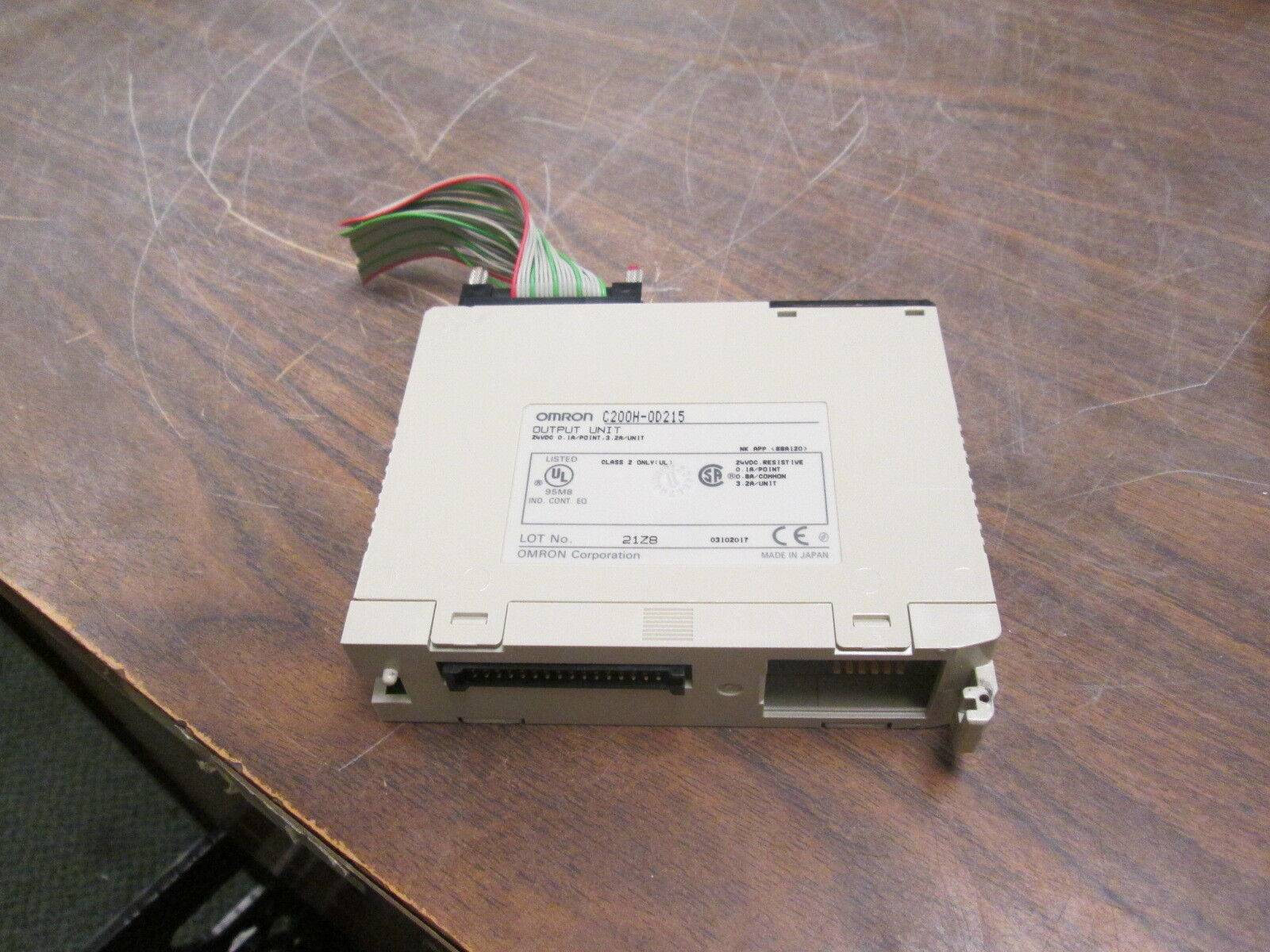 Omron Output Unit C200H-0D215 24VDC 0.1A Point Used