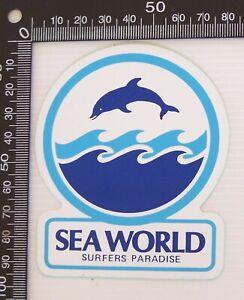 VINTAGE-SEA-WORLD-GOLD-COAST-QLD-AUSTRALIA-SOUVENIR-LUGGAGE-CAR-TOURIST-STICKER