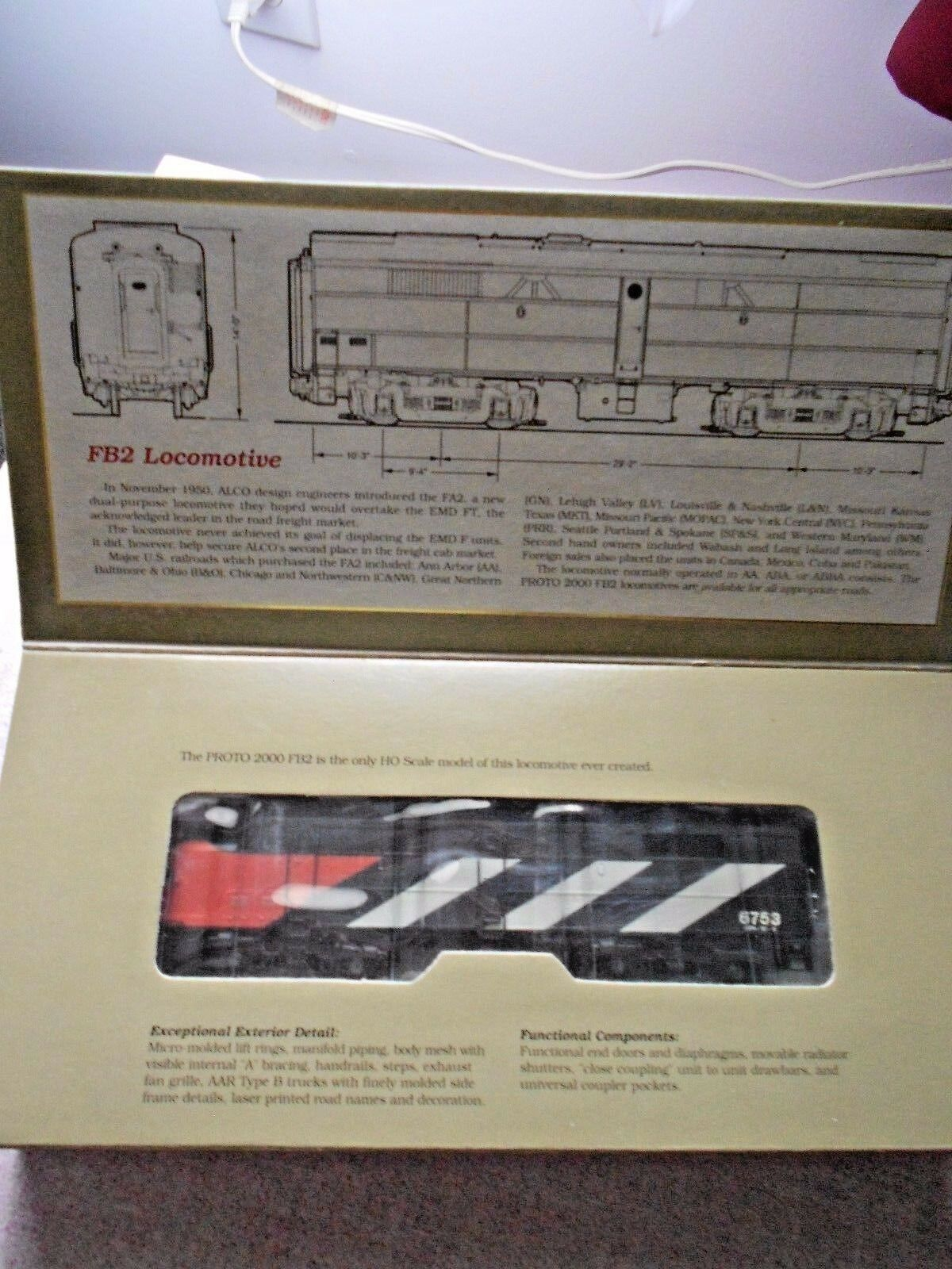 PROTO 2000 FA2 DIESEL LOCOMOTIVE DUMMY HO GAUGE CANADIAN NATIONAL NIB