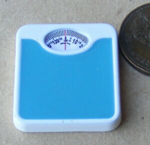 1-12-Scale-Non-Working-Resin-Bathroom-Blue-Weighing-Scales-Tumdee-Dolls-House