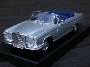 Raro-1966-Mercedes-Benz-280SE-W111-Plata-Cabrio-Coupe-1-18-Coche-de-Juguete-Coleccionable