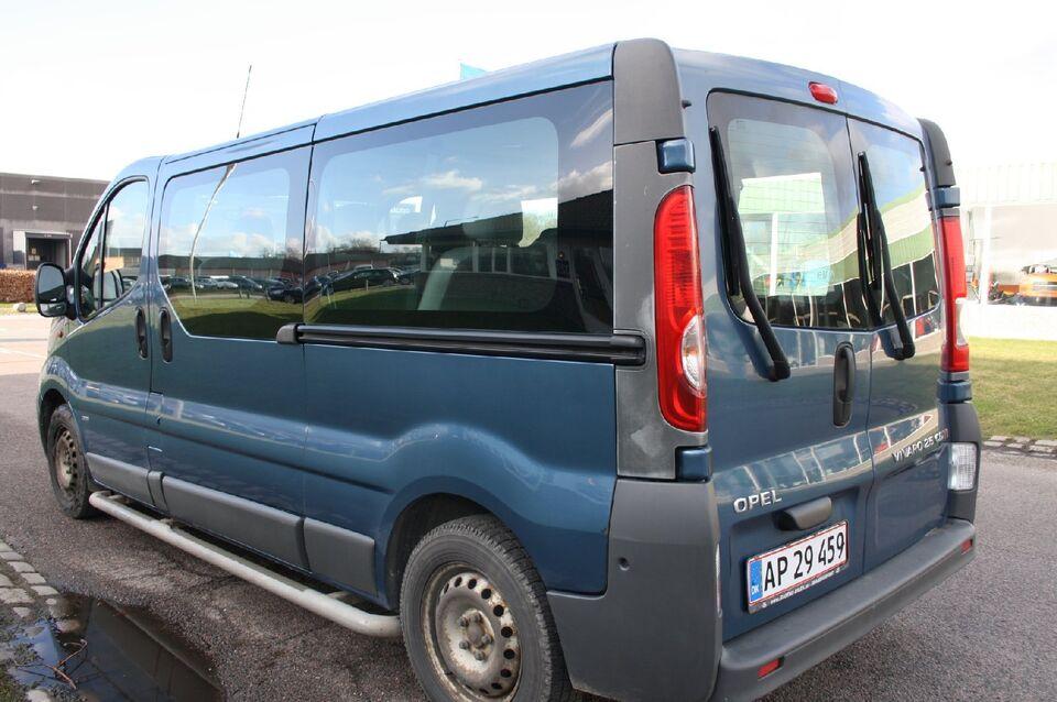 Opel Vivaro 2,5 CDTi 146 L2H1 Combi Diesel modelår 2010 km