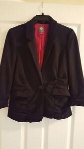 Black-Vince-Camuto-3-4-sleeve-blazer