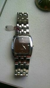 KEVIN-MILLS-WRIST-WATCH-WITH-NICKEL-FREE-NEW-BATTERY-WORKS