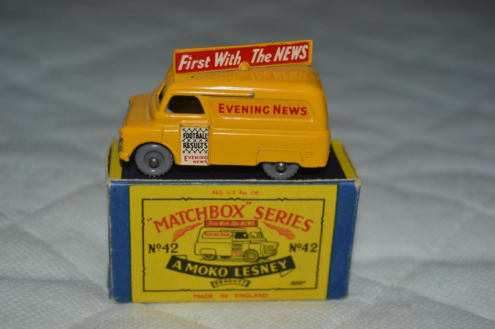 Matchbox lesney series N42 Evening News Van