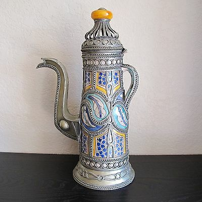 Magnificent Larg18 century Persian ceramic Iznik amber lid handle.
