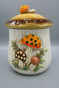 Vintage-1976-Merry-Mushroom-Small-Kitchen-Canister-Sears-Roebuck-Japan-Ceramic