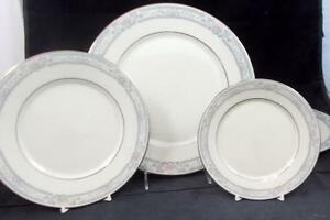 Lenox-CHARLESTON-2-Dinner-Plates-3-Bread-amp-Butters-Salad-GREAT-VALUE-mfg-2nds