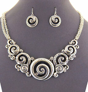 Designer-Bright-Shiny-Silver-Engraved-Swirls-amp-Crystals-Necklace-Earring-Set