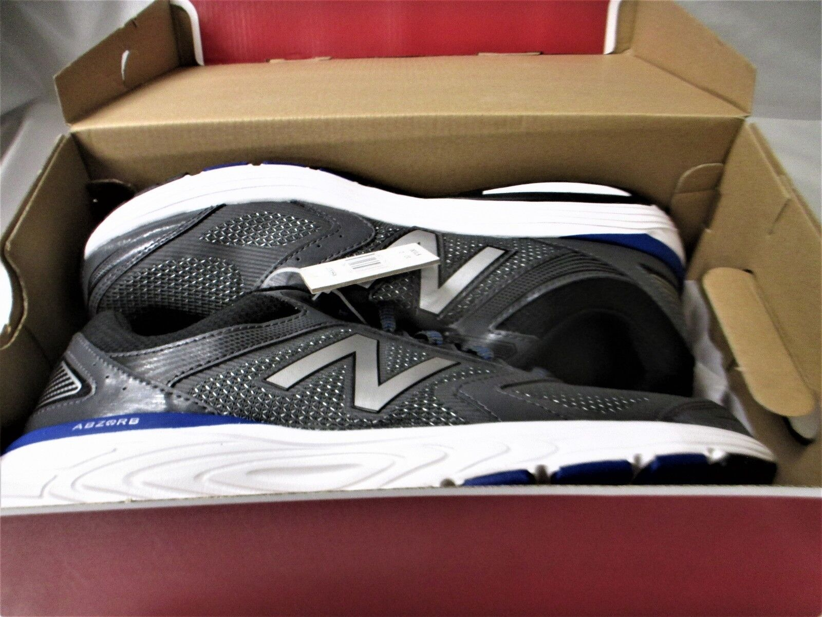 New Balance Mens 560v7 Cushioning Running shoes Grey 10.0 US Free Shipping