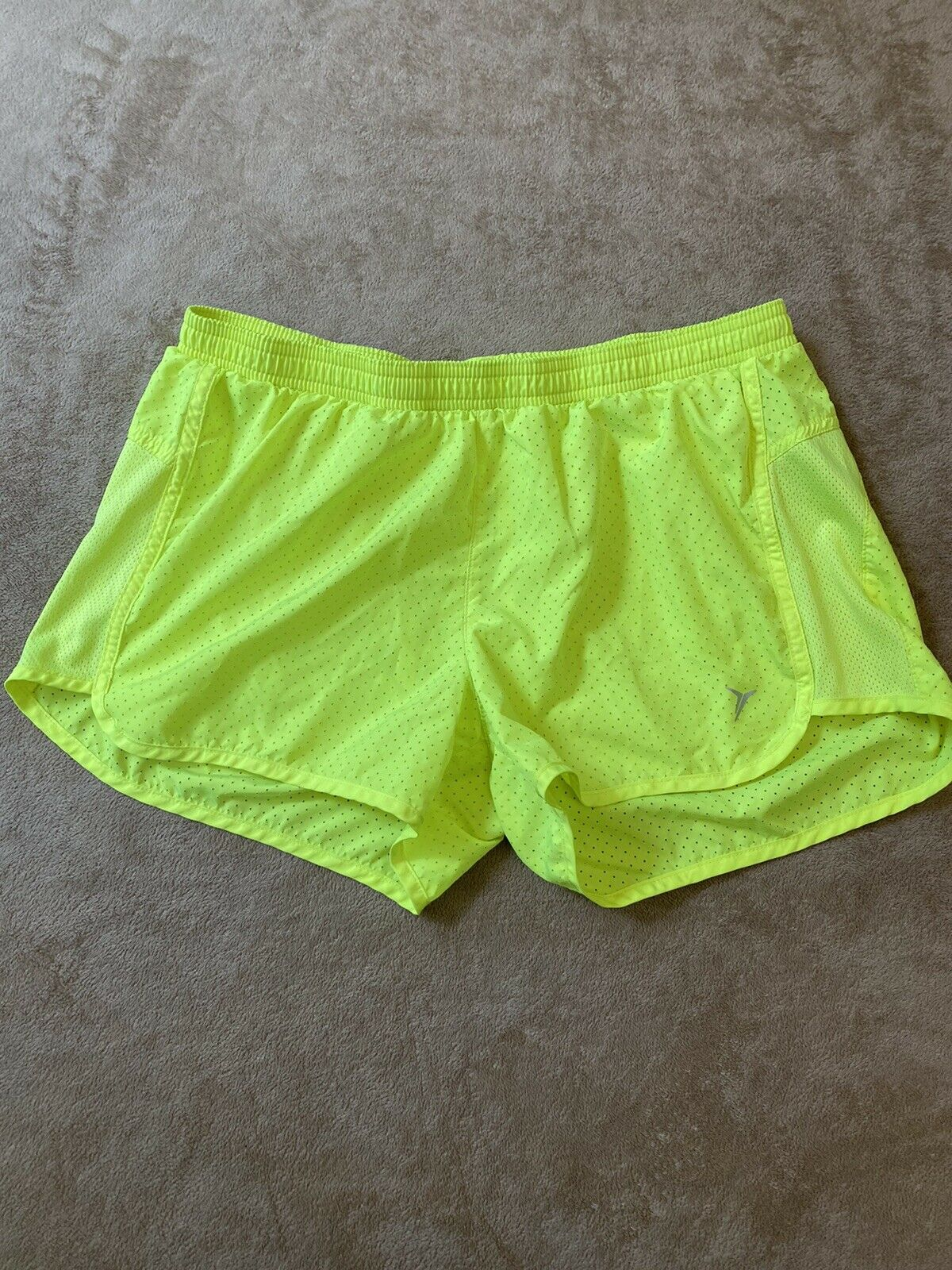 Old Navy Woman's Size M TEMPO Running Athletic Shorts Yellow