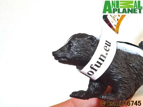 Mojo Animal Planet Skunk solide Jouet en plastique WILD ZOO NOUVEAU
