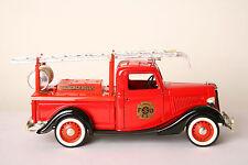 Solido 1:19 Ford V8  LKW  Leiterwagen  Feuerwehr rot (16720)