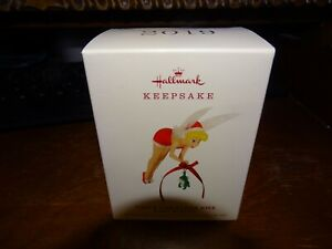 TINK'S CHRISTMAS KISS HALLMARK ORNAMENT 2019 NEW IN BOX DISNEY PETER PAN