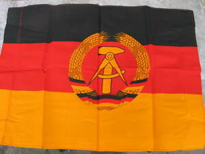 Unused vintage East German flag, post WW2 , NVA, Stasi - Burgwerben, Deutschland - Unused vintage East German flag, post WW2 , NVA, Stasi - Burgwerben, Deutschland