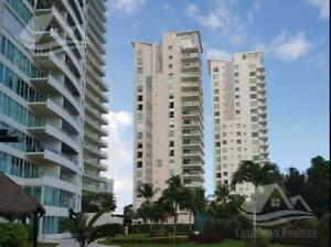 Departamento en Venta en Cancun Zona Hotelera Puerto Cancun Isola