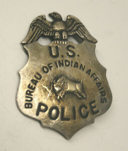 reproduced us bureau of indian affairs police badge eagle 39 n bison ebay. Black Bedroom Furniture Sets. Home Design Ideas